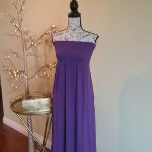 Dresses & Skirts - Purple tube style sleeveless maxi dress